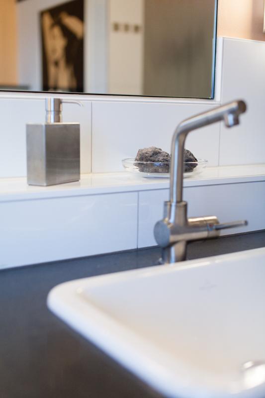 naturnstein waschtisch fliesen bad sutor fliesen. Black Bedroom Furniture Sets. Home Design Ideas