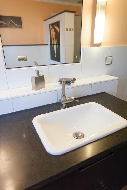 naturnstein waschtisch fliesen und bad. Black Bedroom Furniture Sets. Home Design Ideas