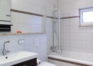 Naturstein Fliese Bad Badewanne